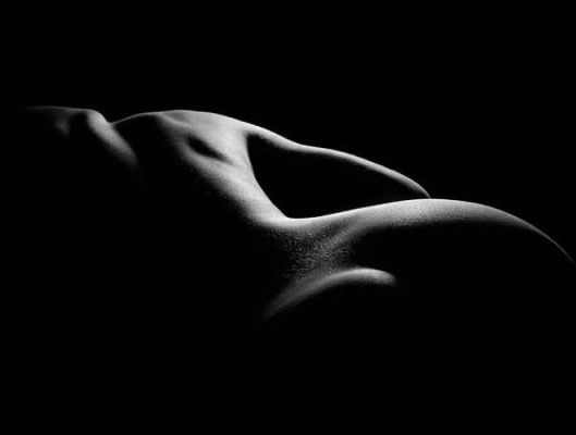 desnudo-blano-y-negro-011
